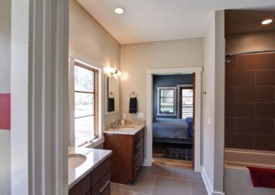 Bathroom 1_batch-resize