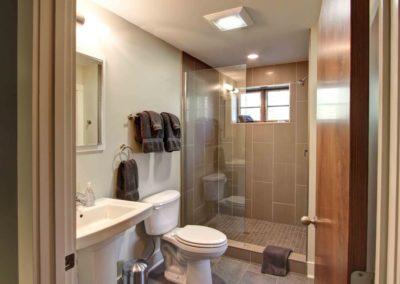 Guest Bath_batch-resize