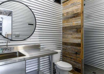 Watkins Barn Bathroom